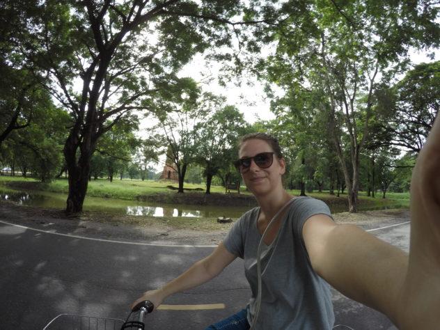 ich nehme dich mit :) (Hier durch die Tempelanlage von Ayutthaya, Bangkok)