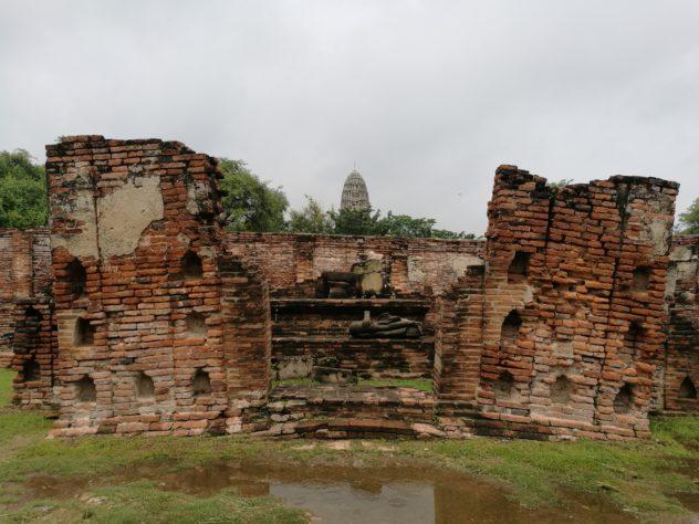 Blick zum Wat Ratcha Burana