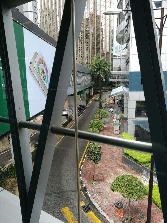 Skywalk - Fußgängerübergang quer durch die Stadt
